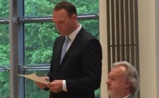 Archivbild: Bürgermeister Sander und Bürgervorsteher Carstensen (beide CDU)